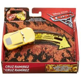 Mattel - Cars Auta 3 Zwariowana ósemka Samochodzik Cruz Ramirez DYB05