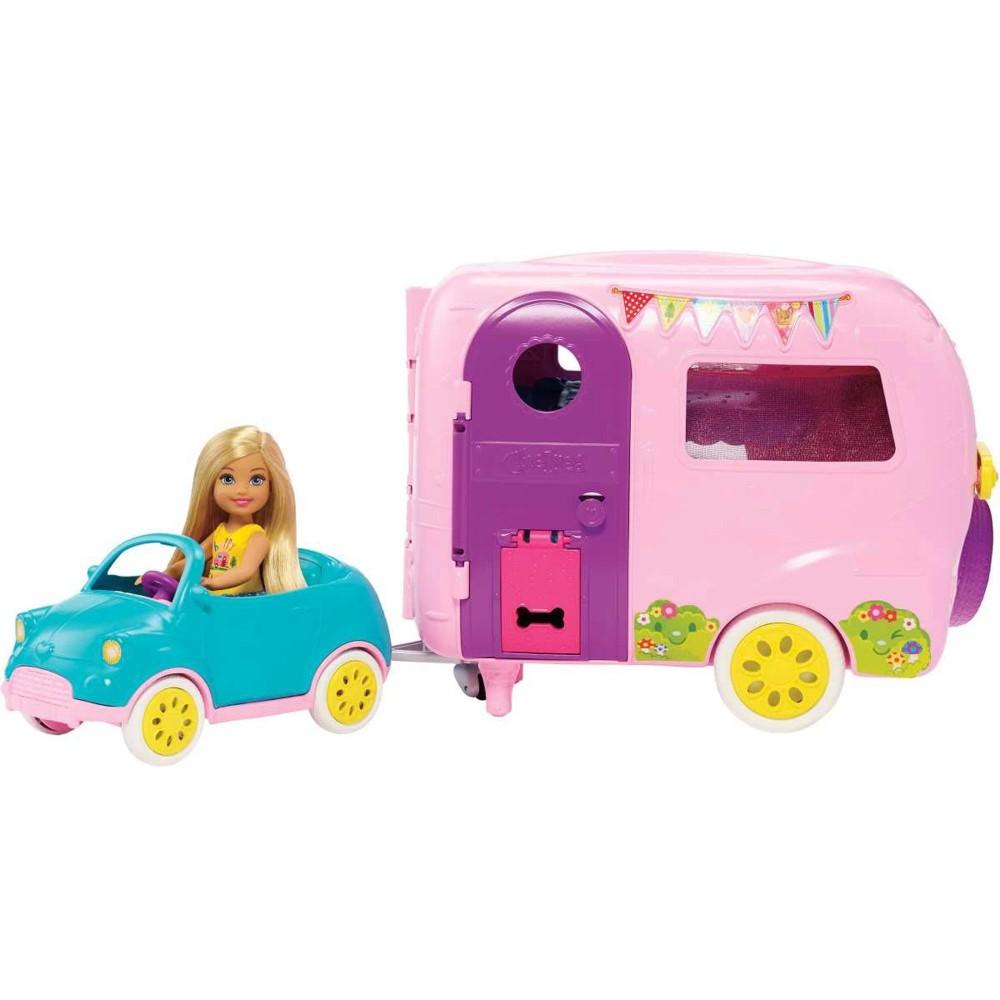 Barbie - Club Chelsea Przyczepa kempingowa + Lalka Chelsea z pieskiem FXG90