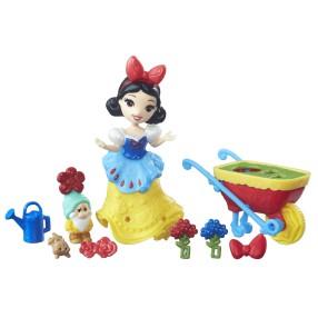 Hasbro Disney Princess - Mini laleczka Śnieżka w ogrodzie B7163